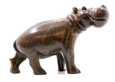 Stenen beeld nijlpaard staand 1 dier, 12 cm hoog, bruin