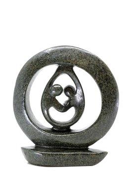 Stenen beeld ring lover familie twee personen 16 cm hoog, groen