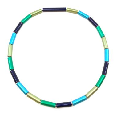 Otracosa aluminium sieraad ketting, blauw, groen, lichtgroen, lichtblauw 45 cm