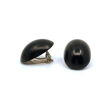 Otracosa oorbellen clip rond zwart STCL 2,3 x 1,5 cm