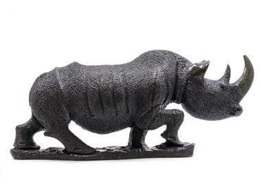 Stenen beeld neushoorn ruw 1 dier, 20 cm hoog, zwart