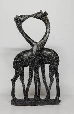 Stenen beeld uniek dier, Giraffe couple