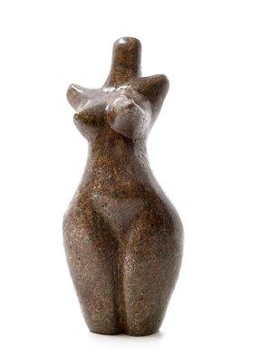 Stenen beeld torso staand 1 persoon, 13 cm hoog, bruin