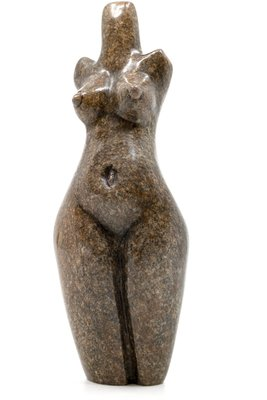 Stenen beeld torso staand 1 persoon, 15 cm hoog, bruin