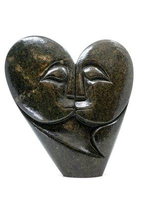 Stenen beeld heart lover 2 personen, 23 cm hoog, groen