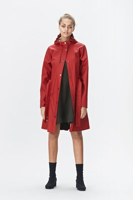 Regenjas Rains rainwear model Curve Jacket woman kleur scarlet rood